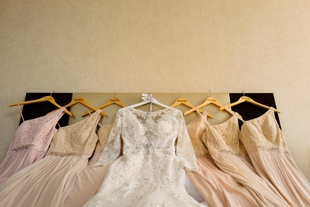suknia panny mlodej i druhen zdjecie