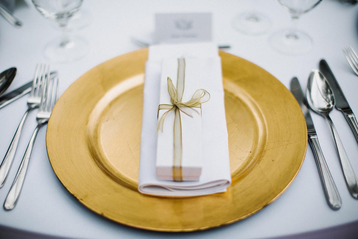 zlote talerze wesele zdjecie